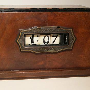 """1934 Pennwood Numechron #422, """"Arcturus"""" Adler Royal case Alt. Escutcheon"""