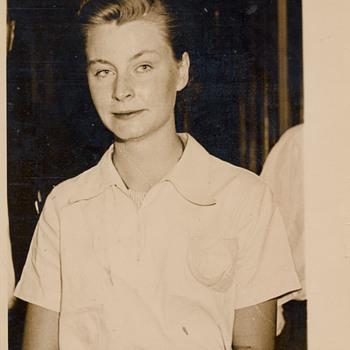 Gladys MacKnight - Photographs