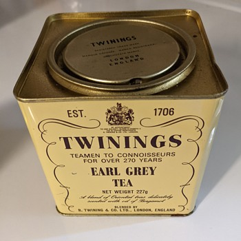 Twinings Earl Gray tin. - Advertising