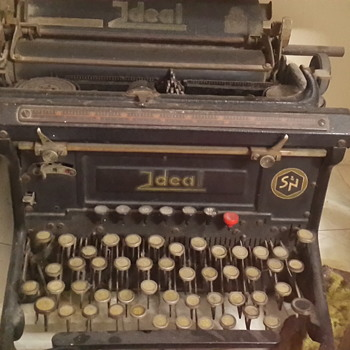 Hebrew letters, Seidel & Naumann typewriter, Ideal series
