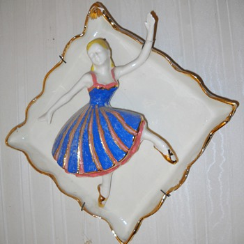 THE DANCERS WALL PLAQUES - Pottery