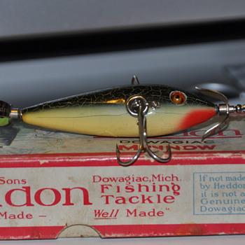 Heddon Minnow 100, but the paint.......