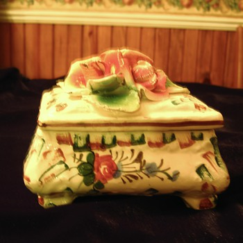 Porcelin Trinket Box - Italy - Pottery