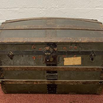 Victorian Steamer Trunk?  - Furniture