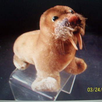 Steiff  mohair walrus, ca 1950's - Animals
