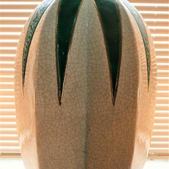 ART DECO CERAMICS - Art Deco