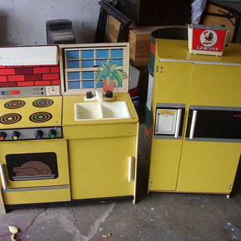 vintage wood and plastic kids play stove and fridge