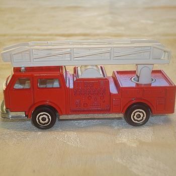 """Majorette """"Pompier"""" Fire Truck - Model Cars"""