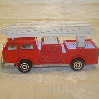 "Majorette ""Pompier"" Fire Truck"