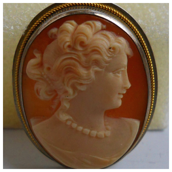 Cameo Brooch(pendant)with Erring set, Early 20 Century - Costume Jewelry