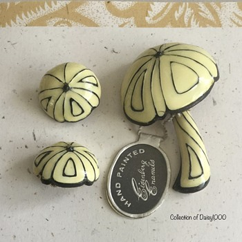 Eisenberg Brooch & Earring Set — Mushrooms  - Costume Jewelry