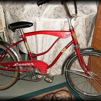 OLD RED BICYCLE ( Bike ) -- Leader  - Sporting Goods