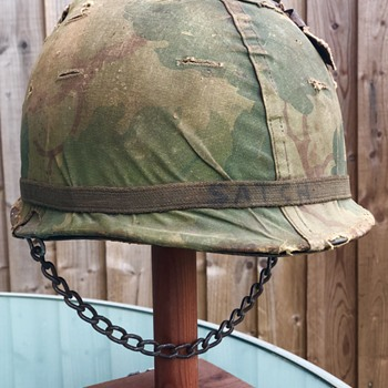 9a56acb32070b Antique and Vintage Military Helmets