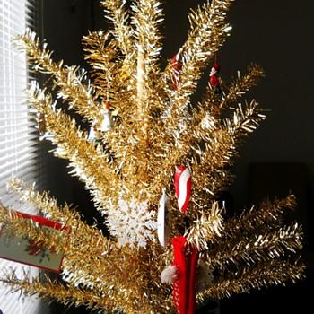 Vintage Christmas Tree  ? (Evergleam Aluminum Christmas Tree ) ?? - Christmas