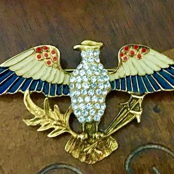 Bird brooches - Costume Jewelry