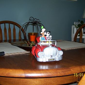 old mickey mouse & goofy car  - Model Cars