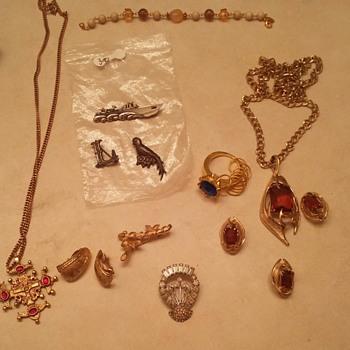 Estate Sale Jewelry Find - Costume Jewelry