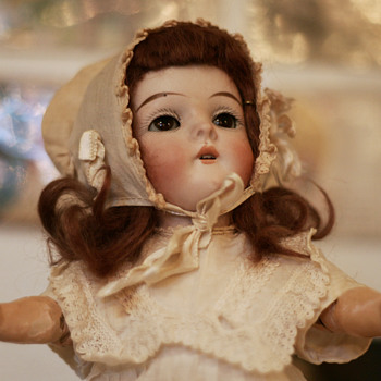"unusually sized little ""Queen Louise"" by Armand Marseille - Dolls"