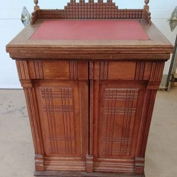 New Williams cabinet Treadle - Sewing