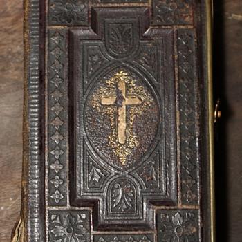 tiny little german [?] bible ? - Books