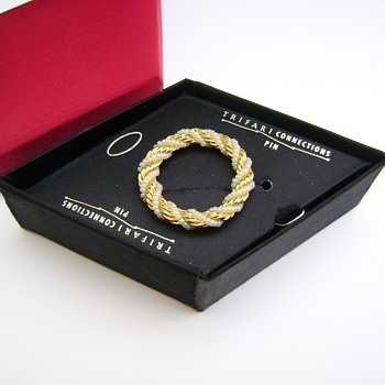 Trifari Connections Pin - Costume Jewelry