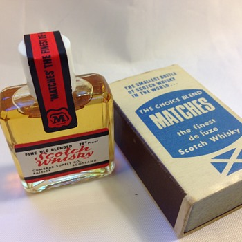 The Smallest Bottle Of Scotch Whisky In The World - Bottles