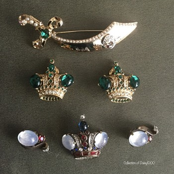 Crowns & a Sword — Trifari .... - Costume Jewelry