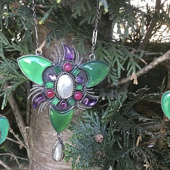 Sybil Dunlop Pendant/Neckace and Earrings. - Arts and Crafts