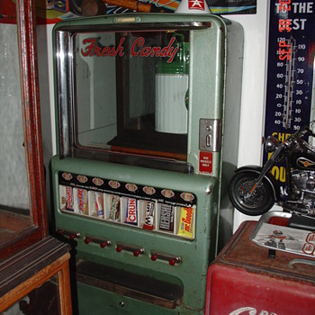 Original...Stoner Candy Machine...5 Cents...With Keys - Coin Operated