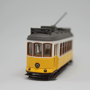 Iconic Lisbon Tram 28   (diecast - 1/87 scale) - Model Trains