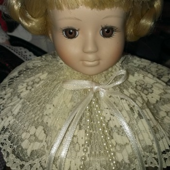 House of Lloyd music doll head