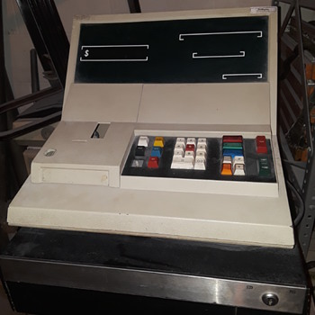 """1970's (?) RC ALLEN """"ULTRA"""" electronic cash register - Coin Operated"""