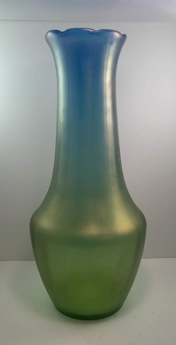 Monumental Pair Of Loetz Vases Made For Bakalowits Shne Ca 1902