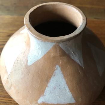 Mystery Pot, maybe Native American? - Pottery