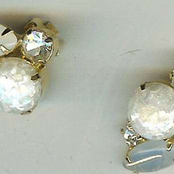 Unsigned White Iridescent Glass Stone Clip Earrings - Costume Jewelry