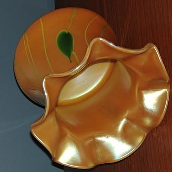 HELP ID Lamp Shade. - Art Glass