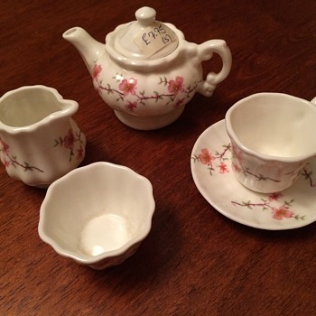 Churnet Valley China Staffordshire - Miniature Tea Set