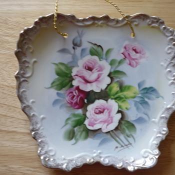 Enesco (?) Decorative Plate - China and Dinnerware
