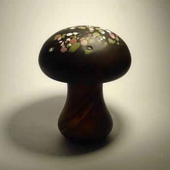 Art glass mushroom sculpture by Monica Backstrom for Boda Sweden - Art Glass