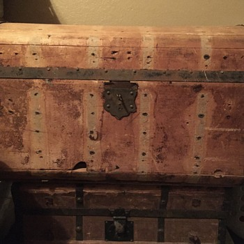 Antique domed trunk - Furniture