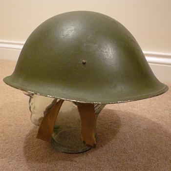 British WWII MKIII steel helmet - Military and Wartime