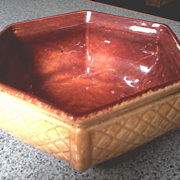 Haeger Hexagon Basket Weave Planter  / Circa 1950-60's - Pottery