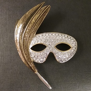 Butler 5th Avenue mask brooch  - Costume Jewelry