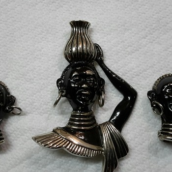 Vintage Nubian/Blackamoor Brooch and Clip On Earrings Set - Costume Jewelry
