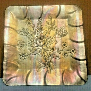 """Everlast Metal Aluminum Floral (Rose) Pattern Tray  (12"""" Square)    - Kitchen"""