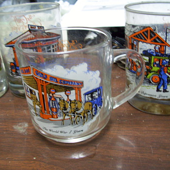 OLD GULF GLASSES.. AN OTHER OIL CO. ITEMS - Glassware