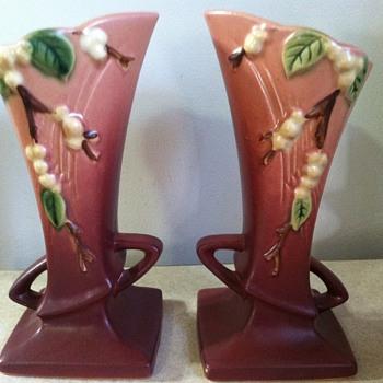Roseville Snowberry - Pottery
