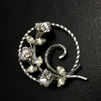 Sterling brooch - Silver