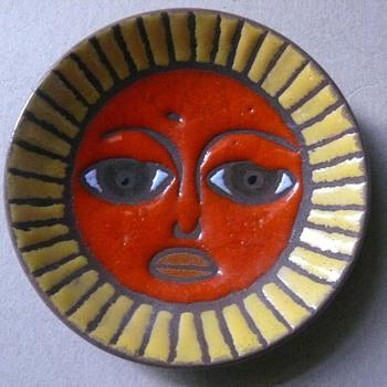 italian? sunny plate - Pottery