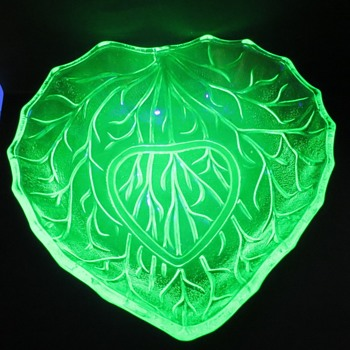 Uranium Glass Leaf Shaped Bowl (Bagley)